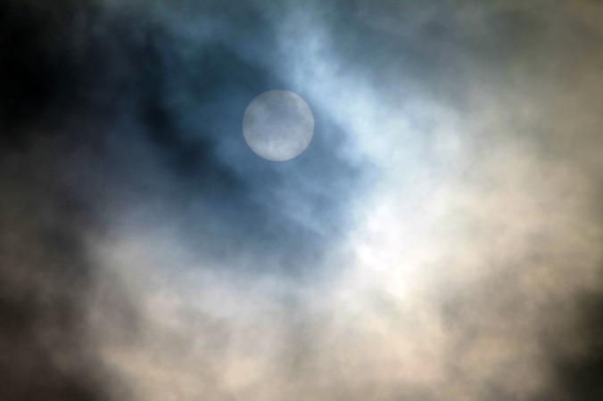 full-moon-319931_1920