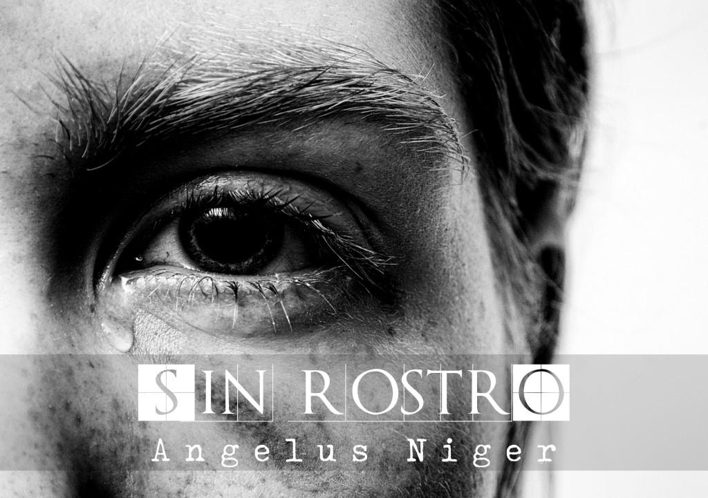 Vemos un ojo en primer plano. Es una mujer, aparentemente joven, la foto es en blanco y negro y le cae una lágrima por el lateral del tabique nasal. Tiene las pestañas mojadas. El título del relato es: Sin rostro, y es una historia escrita por Angelus Niger.